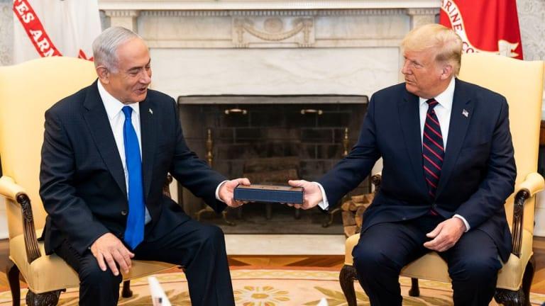 "Trump Gives Netanyahu ""Key To The White House"""
