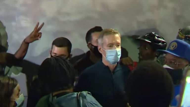 Portland Mayor Tear Gassed After Joining Protesters Outside Federal Courthouse