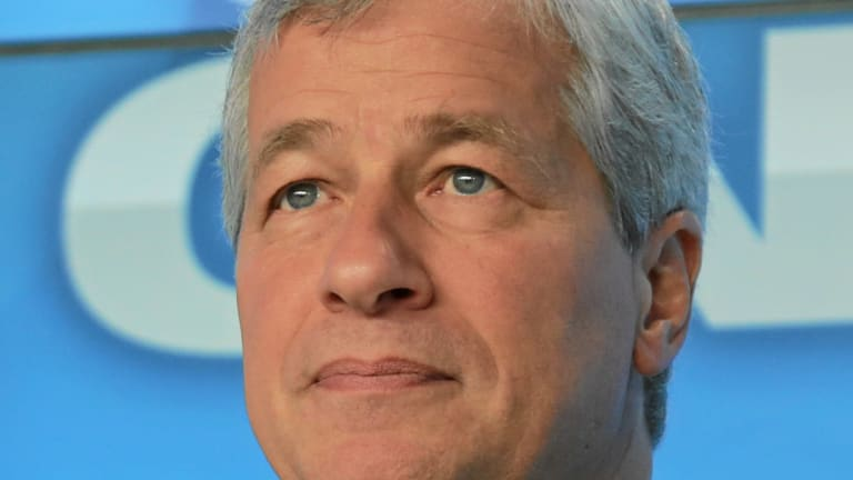 Jamie Dimon Sees Serious Problems With US Regulation of Small Business