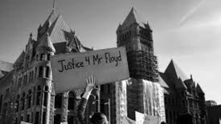 Derek Chauvin Invokes 5th Amendment Right in Murder Trial